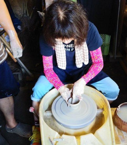 初体験!「電動ろくろ」を使った陶芸の集い